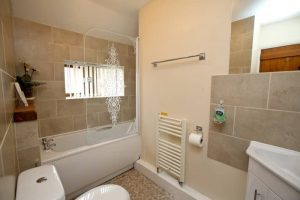 Causeway House single shared bathroom