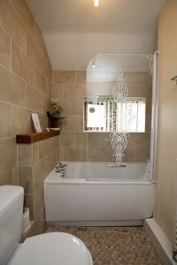 Causeway House super single shared bathroom